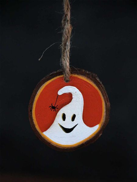 Halloweenwoodsliceornaments